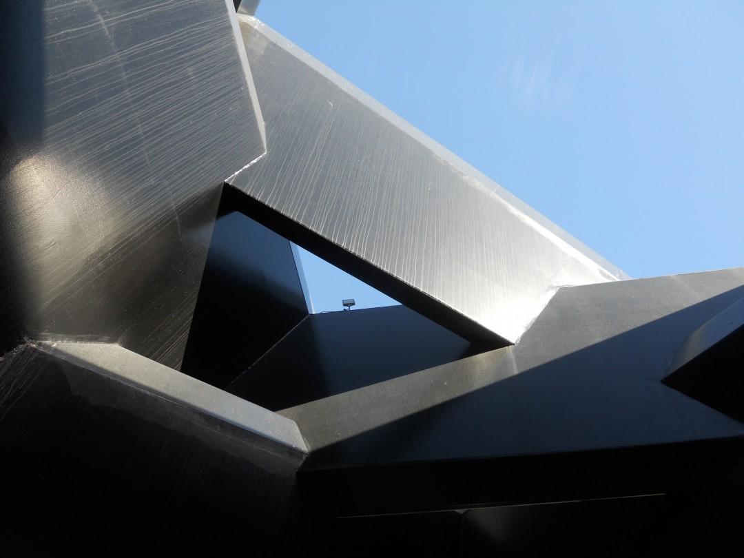 Blick von Innen aus der Skulptur Libeskind